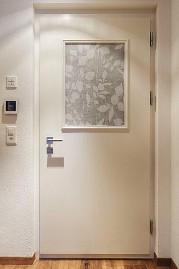 t ren sthetik und sicherheit in einem. Black Bedroom Furniture Sets. Home Design Ideas